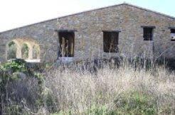 casa en jalon de piedra en bernia