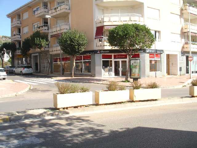 JV 1590 local en javea esquinero